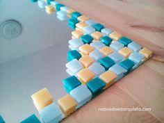 Mosaico. Espejo. Diy. Mirror Mosaic, Mosaic Projects, Dollar Stores, Decoupage, Flora, Beaded Bracelets, Knitting, Frame, Crafts