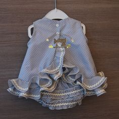 Baby Girl Dress Patterns, Little Girl Dresses, Baby Dress, Girls Dresses, Girls Summer Outfits, Kids Outfits, Baby Girl Fashion, Kids Fashion, Pakistani Dresses Casual
