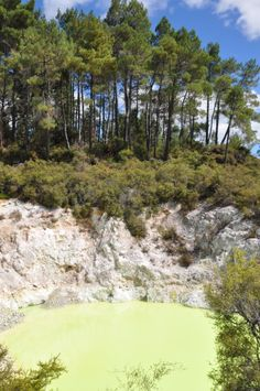 Wai-O-Tapu Thermal Wonderland - Devil's Bath