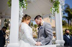 Couple photography in white gazebo, romantic photo ideas