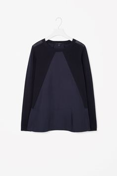 Triangle panel knit top