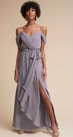 From burnished geo-beading to embroidered appliqué, BHLDN bridesmaid dresses make it easy to look chic as a bridesmaid! Bhldn Bridesmaid Dresses, Different Bridesmaid Dresses, Affordable Bridesmaid Dresses, Bridesmaid Dress Colors, Bridesmaids, Bridesmaid Ideas, Wedding Dress Suit, Wedding Party Dresses, Bridal Dresses