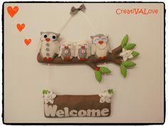 Creazione handmade. Fuoriporta Welcome realizzato in pannolenci, feltro e stoffa e decorato con una simpatica famiglia di gufetti.