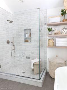 Bad Inspiration, Bathroom Inspiration, Upstairs Bathrooms, Small Bathroom, Bathroom Ideas, Shower Bathroom, Master Bathrooms, Bench In Bathroom, Bathroom Wood Shelves