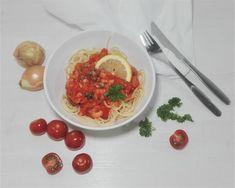 Tiesitkö, että Superdieetti® sisältää kaksisataasivuisen reseptikirjan täynnä terveellisiä reseptejä? Liity mukaan nyt!PastaaPakastekatkarapujaSipuliValkosipulinkynsiOliiviöljyäMiniluumutomaattejaTomaattiaSokeroimatonta tomaa... Stevia, Chili, Pasta, Chili Powder, Chilis, Chile, Noodles, Capsicum Annuum, Ranch Pasta