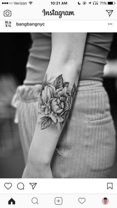 Awesome flower tattoo, love the shading. Makes it look realistic Awesome flower tattoo, love the shading. Cool Small Tattoos, Girly Tattoos, Pretty Tattoos, Forearm Tattoos, Cute Tattoos, Unique Tattoos, Beautiful Tattoos, Body Art Tattoos, New Tattoos