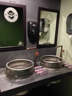 This Irish pub& bathroom sinks are made from beer kegs! Brewery Design, Pub Design, Restaurant Design, Modern Restaurant, Ideas Pub, Bathroom Sink Design, Bathroom Sinks, Man Cave Bathroom, Garage Bathroom