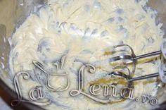 Crema de galbenusuri cu lapte si unt