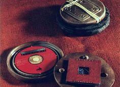 This one is ceramic. Kerámia CD tok.