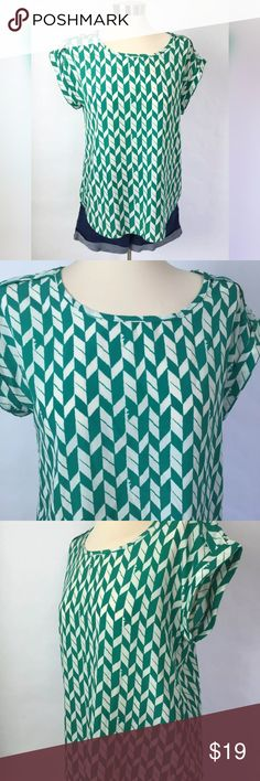 Papermoon Stitch Fix Womens Blouse Chevron Print Papermoon For Stitch Fix Womens Blouse Size Medium Green Chevron Print. Bust 38 inches Length 22 inches. Size Medium Comes from a smoke free environment. Nice preowned condition. #GT1-15 Papermoon Tops Blouses