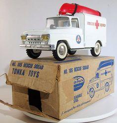 Vintage Tonka 1961 Rescue Squad Truck with Box Tonka Trucks, Tonka Toys, Farm Trucks, Old Vintage Cars, Vintage Tins, Vintage Metal, Minnesota, 1980 Toys, Plastic Model Cars