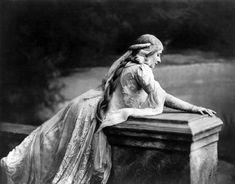Mary Garden as Mélisande in Debussy's Pelléas et Mélisande