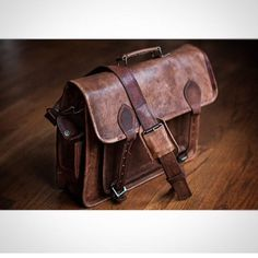 Amazing click done by one of our customer of our vintage leather camera bag. Best looking leather bags for mens