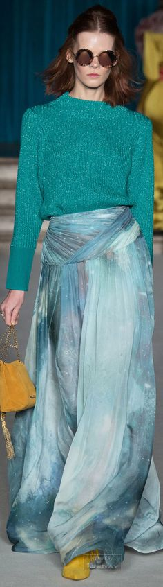 Matthew Williamson Fall 2015 Ready-to-Wear Collection Photos - Vogue I Love Fashion, Passion For Fashion, High Fashion, Fashion Show, Fashion Design, Green Fashion, Fall Fashion, London Fashion Weeks, Matthew Williamson