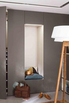Idée n° 3 : Créer un dressing avec assise intégrée