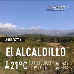 Desde el Alcaldillo,Candeleda,  vistas a la sierra de Gredos a un paso de la garganta de Alardos en Madrigal de la Vera. Caceres. Extremadura. Spain.