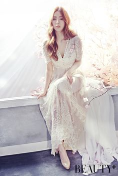 Actress Shin Se Kyung has embedded her beauty among flowers for 'Beauty+' magazine! She looks gorgeous in elegant dresses that match beautifully with … Korean Fashion Styles, Asian Fashion, Shin Se Kyung, Dinner Gowns, Beauty Magazine, Korean Actresses, Only Fashion, Women's Fashion, Korean Beauty