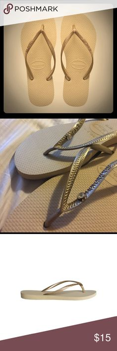 NEW GOLD HAVAIANAS FLIP FLOPS DIAMOND GEM 7/8 size New golden Havaianas flip flops with a diamond gem (not in first picture but in the others)! Slim fit size 7/8 (39/40). Purchased in Miami; never worn! Super cute and comfortable ! Havaianas Shoes Sandals