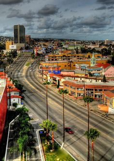 Bulevar Gustavo Díaz Ordaz, Tijuana, Baja California, México.  Photo:  McMexicano via Flickr