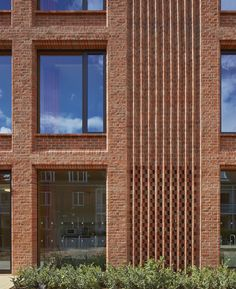Details+++ Galerie von Dorothy Garrod Building / Walters & Cohen Architects - 13 Possibly the be Brick Cladding, Brickwork, Brick Design, Facade Design, Brick Architecture, Ancient Architecture, Sustainable Architecture, Landscape Architecture, Brick Projects