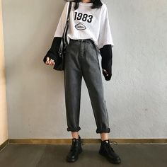 Stunning Unusual Grunge Outfits Ideas For Women To Try This Season # hipster Outfits Unusual Grunge Outfits Ideas For Women To Try This Season Hipster Outfits, Indie Outfits, Edgy Outfits, Korean Outfits, Grunge Outfits, Cute Casual Outfits, Fashion Outfits, Men Casual, Jeans Fashion