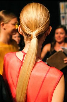 Aveda Global Creative Director Antoinette Beenders created a sleek high performance ponytail for the Osklen Spring/Summer 2014 collection designed by Oskar Metsavaht and inspired by the cut, color, vibrancy and transparency of gemstones.
