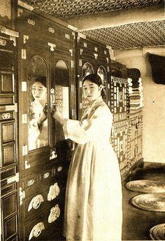 ✩ GISAENG ✩【기생】 #Korean #gisaeng #kisaeng #ginyeo #kinyeo #courtesans #vintage #retro #korea #history #기생 #기녀 #한국역사 日本近代史の歴史認識をまとめています