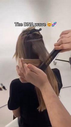 Hair Tips Video, Hair Videos, Hair Cutting Videos, Curled Hairstyles, Pretty Hairstyles, Hair Curling Tutorial, Hair Upstyles, Curly Hair Tips, Aesthetic Hair