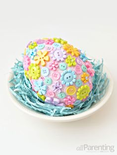 """It's easy to whip together these DIY """"Fabergé"""" Easter eggs. If you ask us, they are a whole lot cuter than the real thing! Easter Egg Crafts, Easter Projects, Easter Bunny, Egg Alternatives, Coloring Easter Eggs, Button Crafts, Egg Decorating, Easy Diy Crafts, Holiday Festival"""