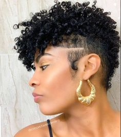 16 Short Curly Hairstyles That Will Make You Want To Cut Your Hair - The Glossychic Short Natural Curly Hair, Tapered Natural Hair, Short Sassy Hair, Curly Hair Cuts, Short Hair Cuts, Curly Hair Styles, Natural Hair Styles, Pixie Cuts, Short Black Curly Hairstyles