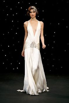 See more about jenny packham, dresses and gatsby. Estilo Gatsby, Look Gatsby, Gatsby Style, Bridal Gowns, Wedding Gowns, 1920s Wedding, 1920s Party, 1920s Theme, Wedding Ideas