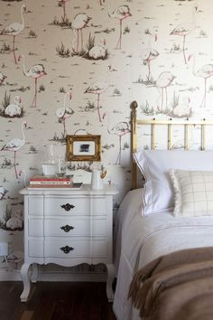 I love this wallpaper and styling - Florida kitsch done right