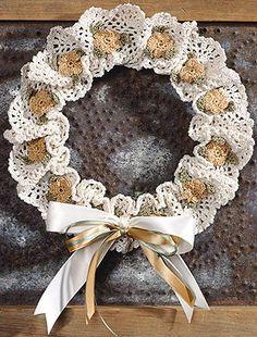 Ravelry: Floral Mesh Wreath pattern by Anne Halliday Diy Wreath, Mesh Wreaths, Burlap Wreath, Thread Crochet, Crochet Doilies, Crochet Books, Crochet Wreath, Crochet Decoration, Wedding Wreaths