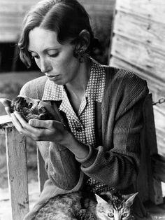 Shelley Duvall with kitten