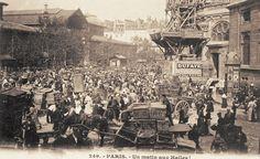 Les Halles de Paris - Paris 1er Un matin aux Halles... (ancienne carte postale, vers 1900).