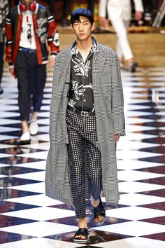 Dolce & Gabbana | Menswear - Spring 2017 | Look 7
