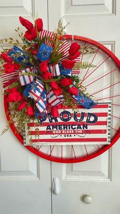 Patriotic Wreath, Patriotic Crafts, Patriotic Party, 4th Of July Wreath, American Flag Wreath, American Flag Wood, American Gods, Fall Wreaths, Mesh Wreaths