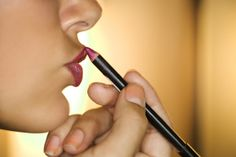 Tricks To Make Your Lipstick Last
