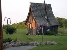 14) Rustic Way Whimsical House in Minnesota. - https://www.facebook.com/different.solutions.page
