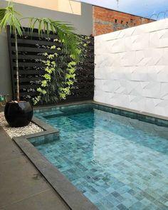 Backyard Pool Landscaping, Backyard Pool Designs, Small Backyard Pools, Small Pools, Swimming Pools Backyard, Backyard Retreat, Swimming Pool Designs, Kleiner Pool Design, Small Pool Design