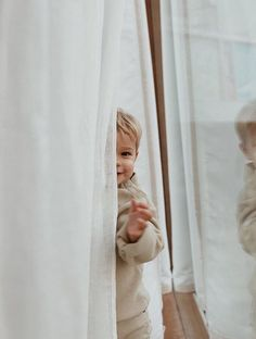 Mother Minimalist: On Raising Minimalist Kids - Ana Degenaar: Mother Minimalist: On Raising Minimalist Kids The Effective Pictures We Offer You Abo - Cute Kids, Cute Babies, Baby Kids, Baby Boy, Baby Family, Family Life, Home And Family, Little People, Little Ones