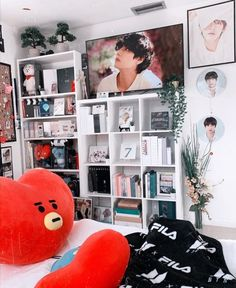 Cute Room Ideas, Cute Room Decor, Room Ideas Bedroom, Bedroom Decor, Army Room Decor, Kawaii Room, Room Goals, Aesthetic Room Decor, Dream Rooms