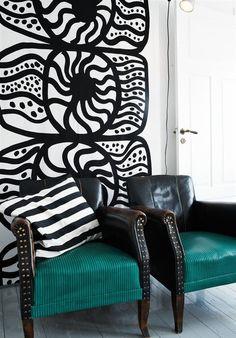 Marimekko and Ikea - a match made in heaven White House Interior, Black And White Interior, Interior And Exterior, Black White, White Art, Turquoise Chair, Ikea, Take A Seat, Marimekko