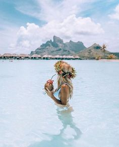 travel | inspiration | wanderlust | wild and free | adventure | explore | distant places | child of the ocean | palmtrees | mountains | #Frenchpolynesia