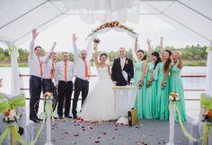 Выездная регистрация, свадьба на свежем воздухе и яркие наряды подружек невесты! Команда @xameleon.me умеет все!;)