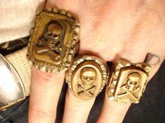 Amazing skull trio