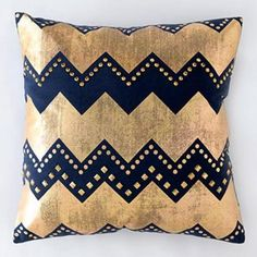 Navy and gold chevron pillow http://rstyle.me/n/ku672nyg6