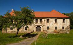 Photo by Ivana Piskáčková Gazebo, Cottage, Mansions, Architecture, House Styles, Building, Home, Decor, Arquitetura