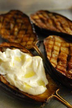 Roasted Eggplant with Garlic Cumin Yogurt. Delicious and healthy. Garlic Recipes, Veggie Recipes, Vegetarian Recipes, Cooking Recipes, Antipasto, Roast Eggplant, Grilled Eggplant, Good Food, Yummy Food