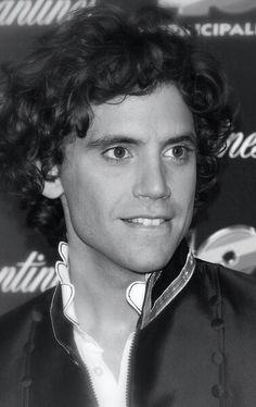 Mika biting his lip ;) - Laureus World Sports Awards 10-03-2010 in Dubai